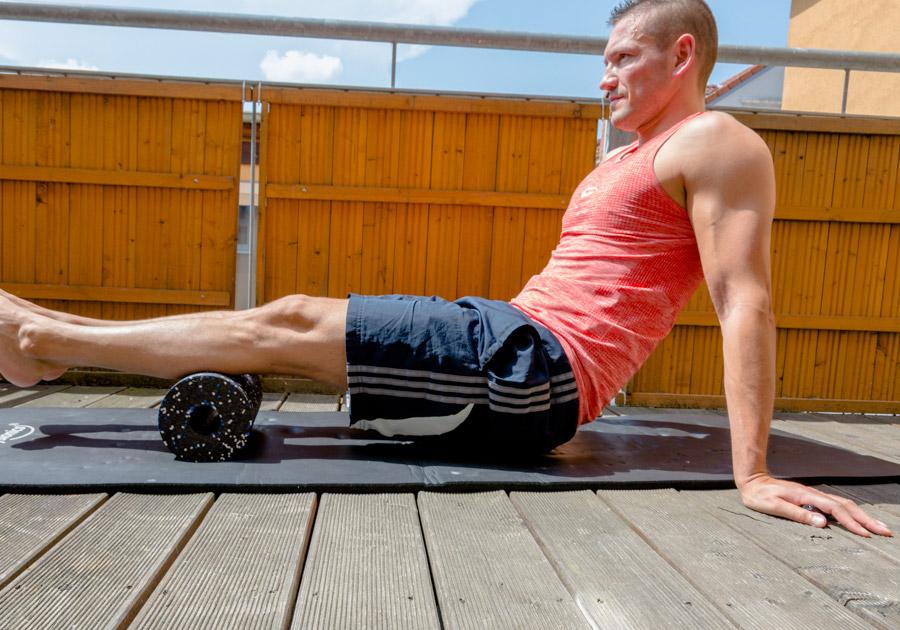 faszienrolle-lifestyle-blackroll-gym-physiotherapie-fitness-gesundheit-waden